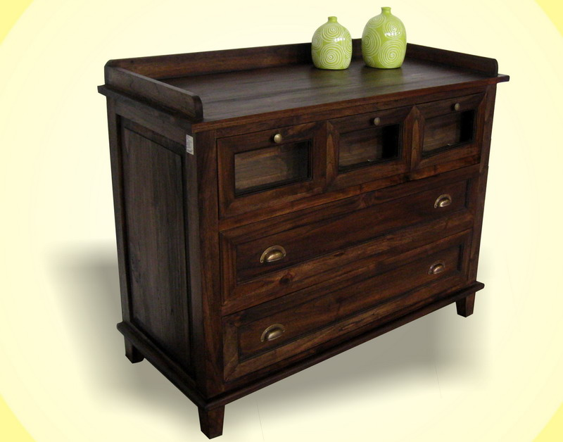 Laly Cabinet