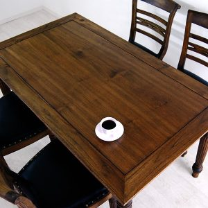 Rafless Dining Table