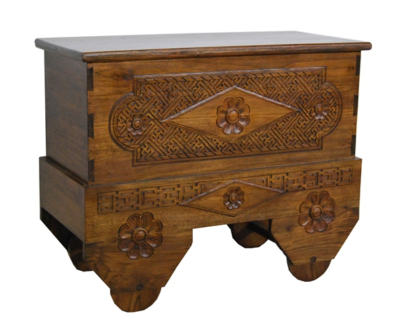 Wheel Carving Trunk