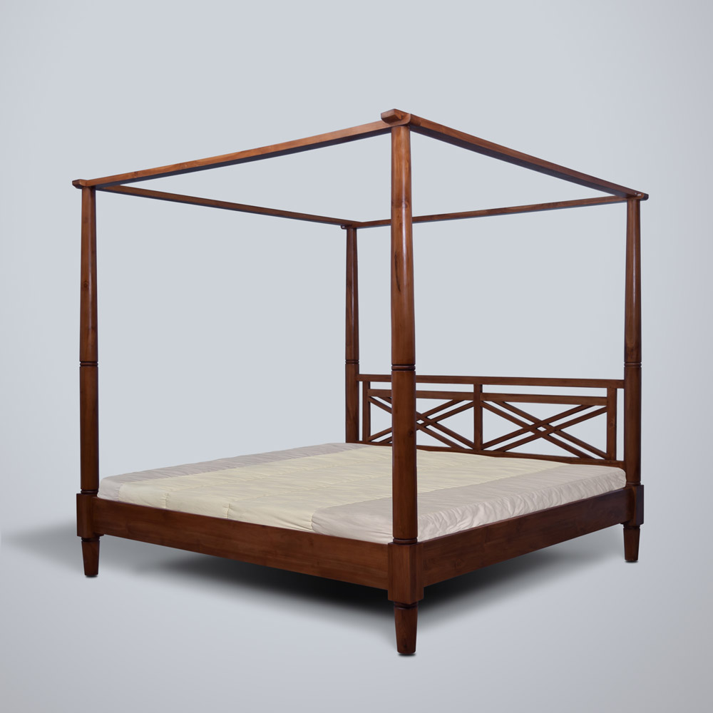 Canissa Canopy Bed