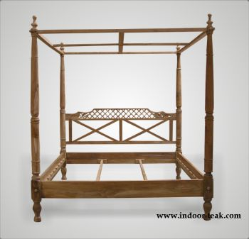 Harper Canopy Bed
